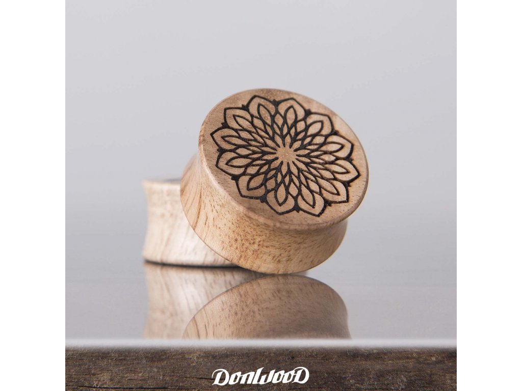 plugy-drevo-mandala-donwood-orech