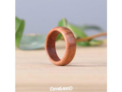 prsten-ze-dreva-svestka-ceske-drevo