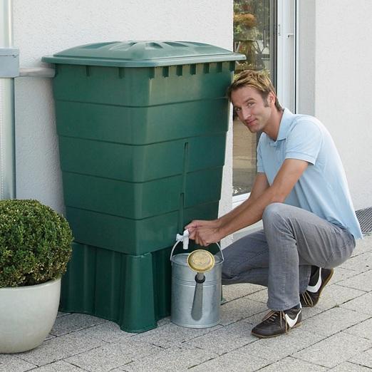 Plastová nádrž na dešťovou vodu Rhin 300 zelená