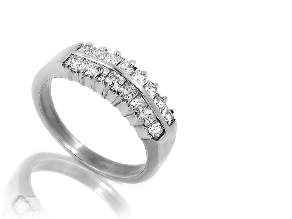 Velmi jemný a drobný prsten se zirkony - Chirurgická ocel