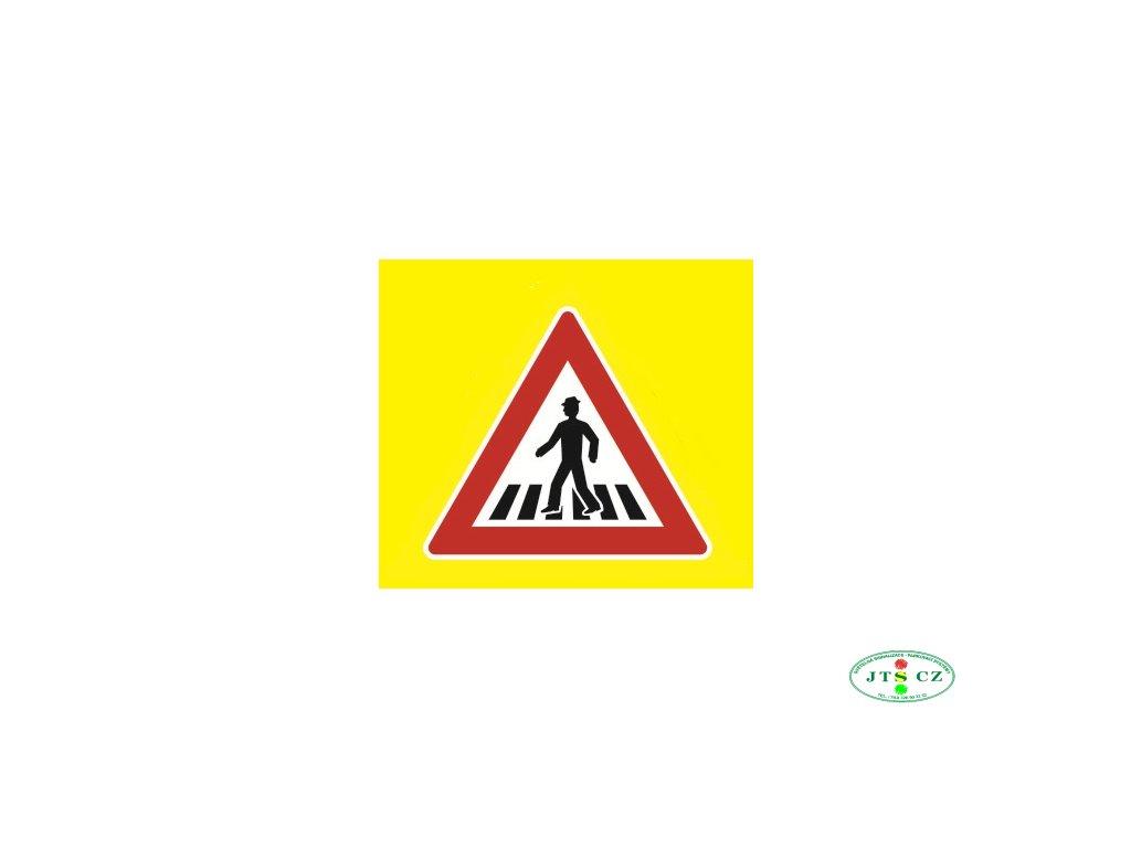 Dopravní Značka A11 zvýrazněná Pozor, přechod pro chodce