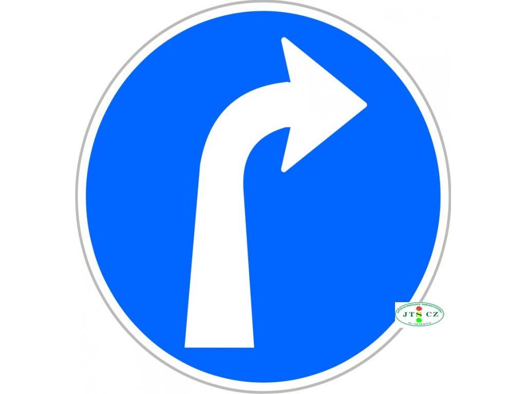 Dopravní Značka C2b Přikázaný směr jízdy vpravo