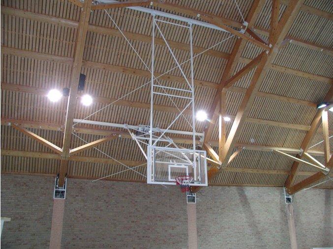 Konstrukce pro basketbal zvedaná  pod strop DOR-SPORT do celkové výšky 9 m