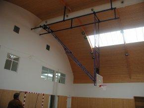 Konstrukce pro basketbal zvedaná  pod strop DOR-SPORT do celkové výšky 11 m