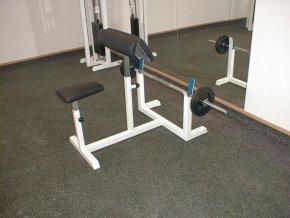 Posilovací lavice - Scottova lavice na biceps