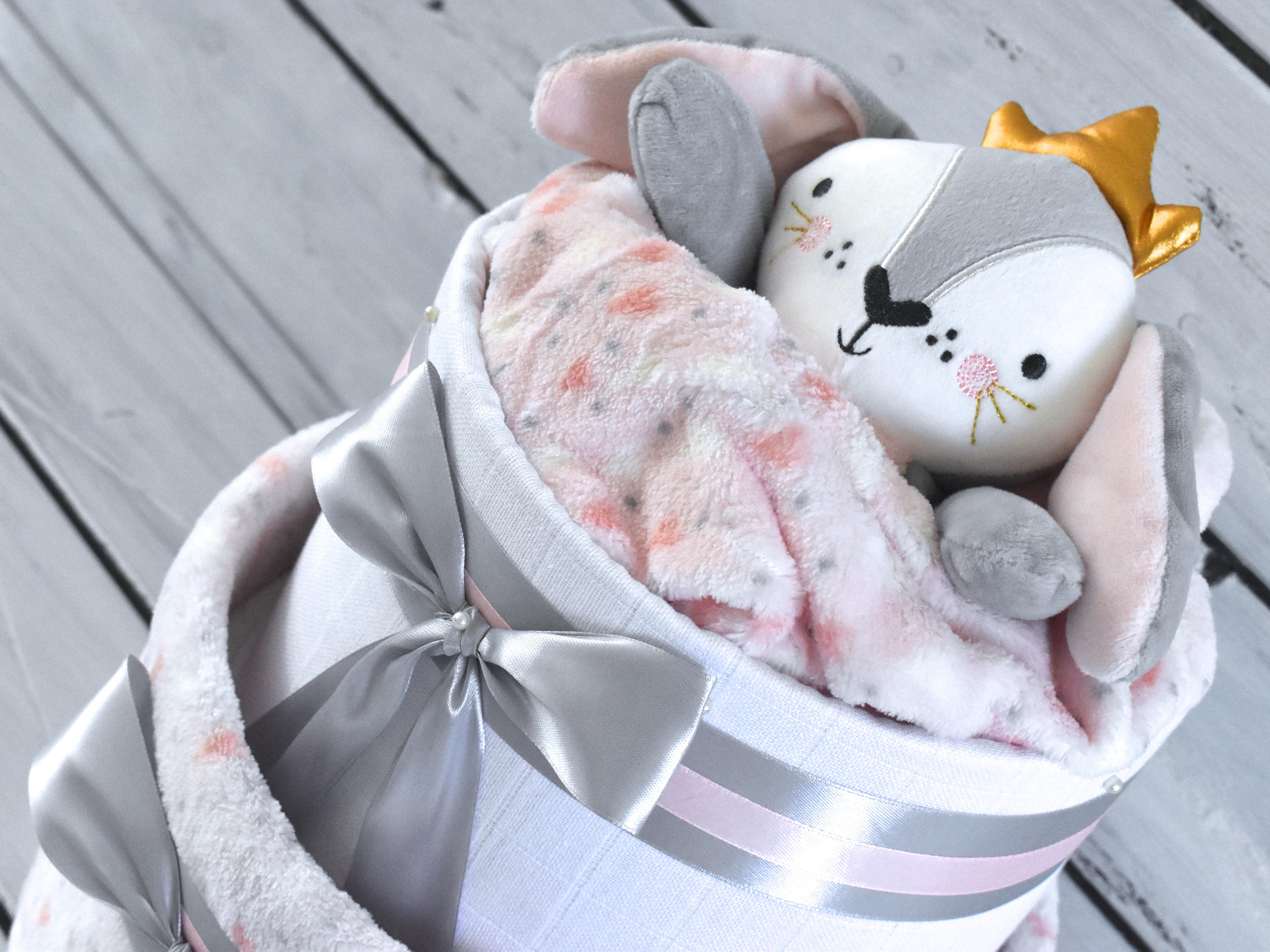 Plenkové dorty pro holčičky se setu deky a hračky jsou zpět