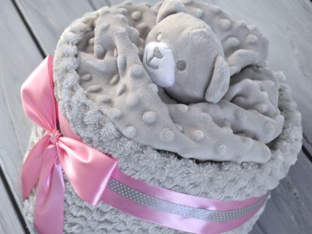 Mini plenkovy dort s medvidem korpus deka, ruzova stuha