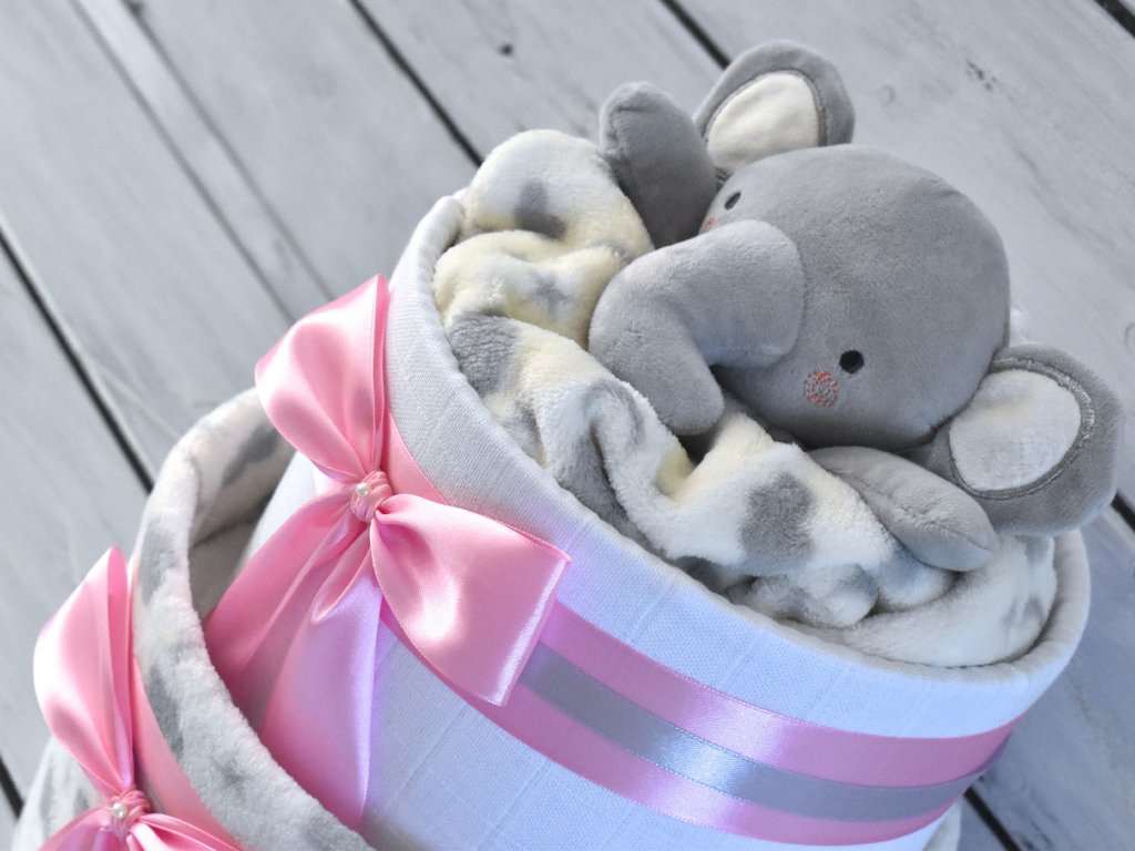 Dvoupatrový plenkový dort XVII. set deky a usínáčka ve tvaru sloníka