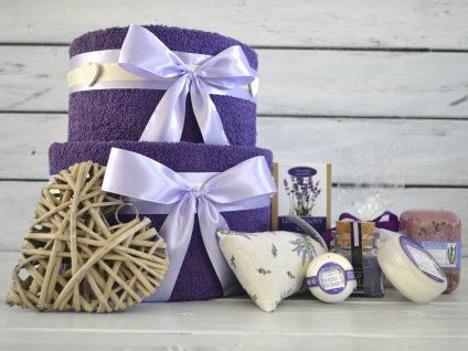 Dvoupatrový ručníkový dort levandule