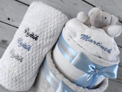 Výšivka na deku plenkového dortu modrá