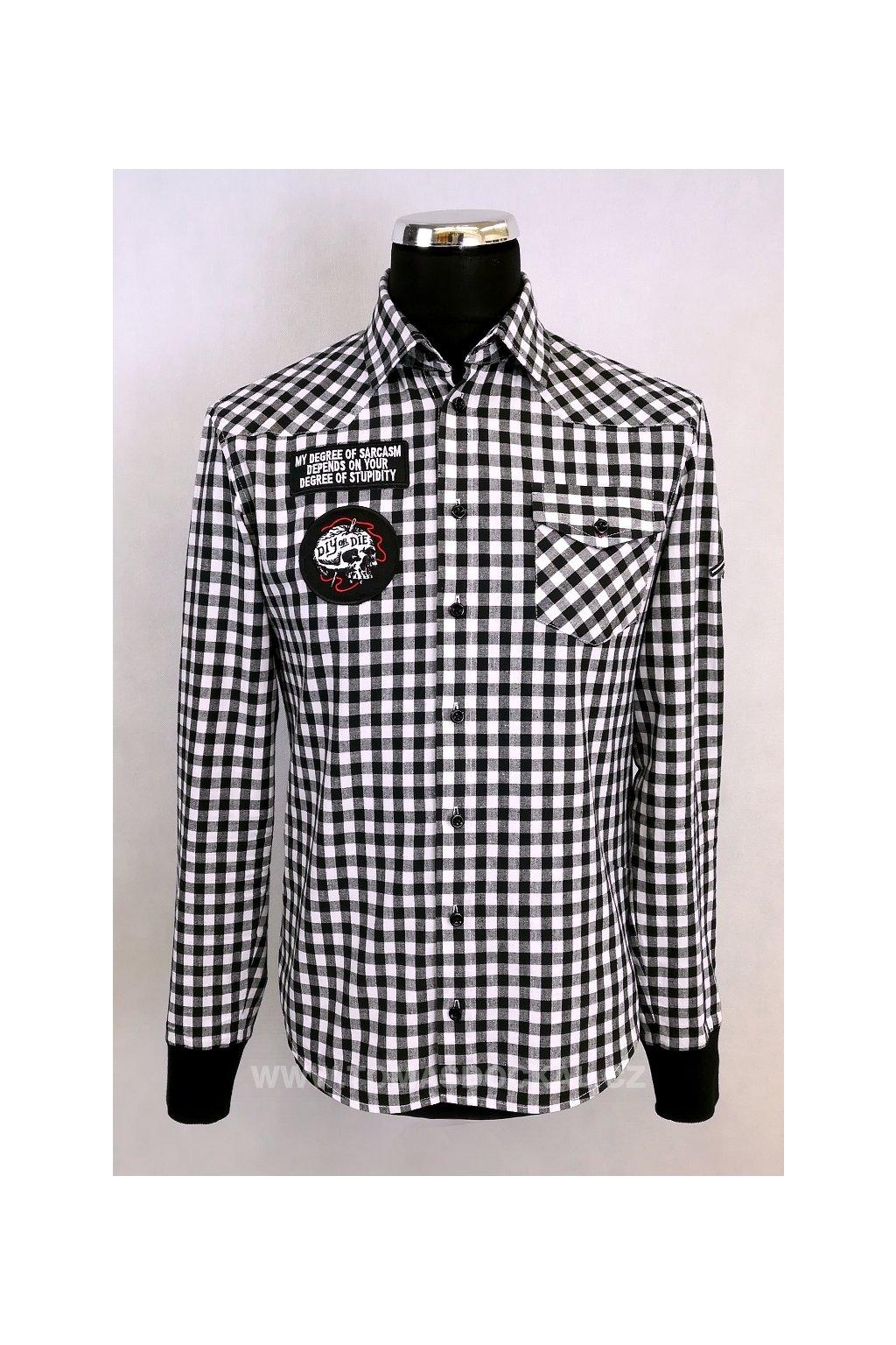 Košile černobílá kostka s nášivkami / velikost S