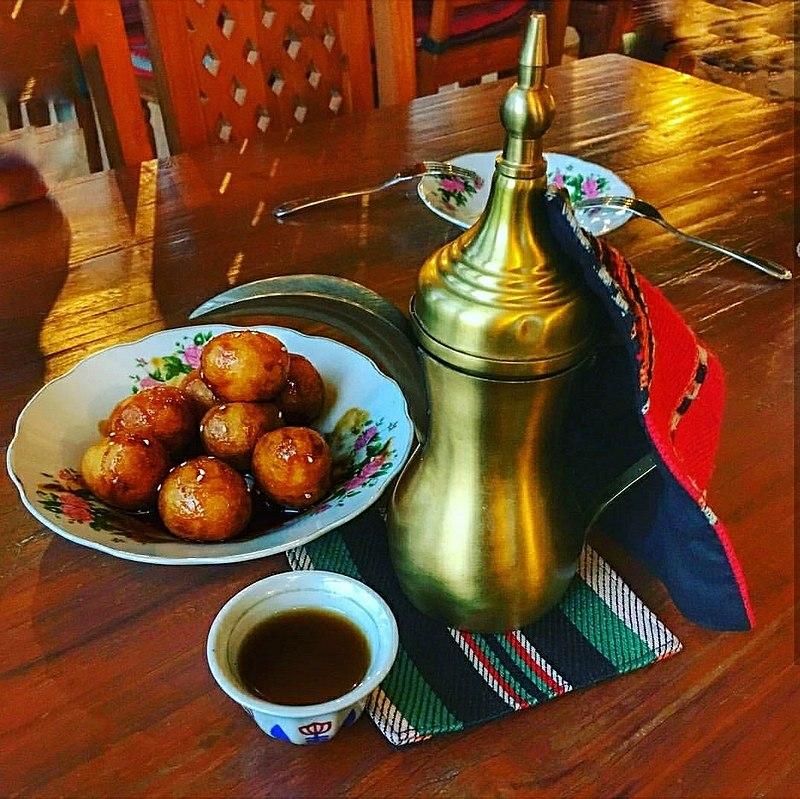 Výtečná emirátská jídla. Něco, co nemůžete neochutnat.