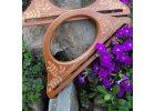 Tvarovaná vintage dřevěná ucha, zdobená