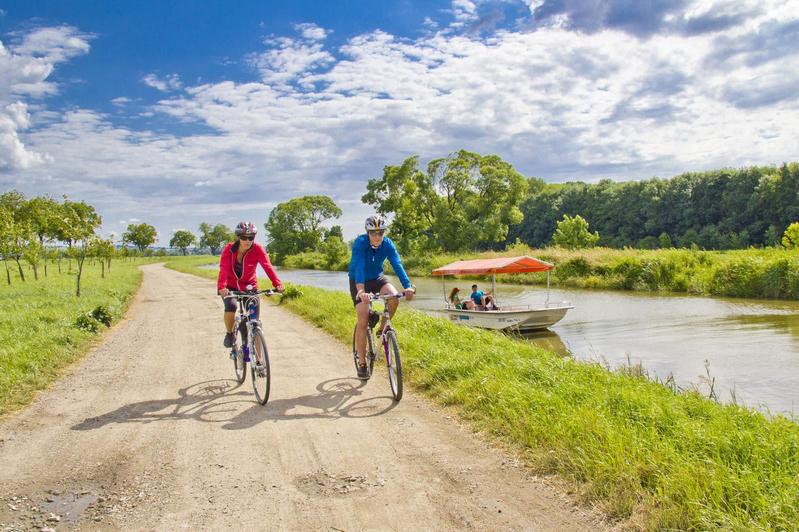 Cyklostezka Baťův kanál