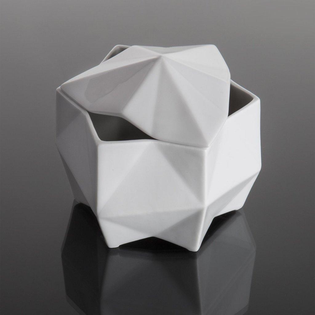 porcelan cukrenka