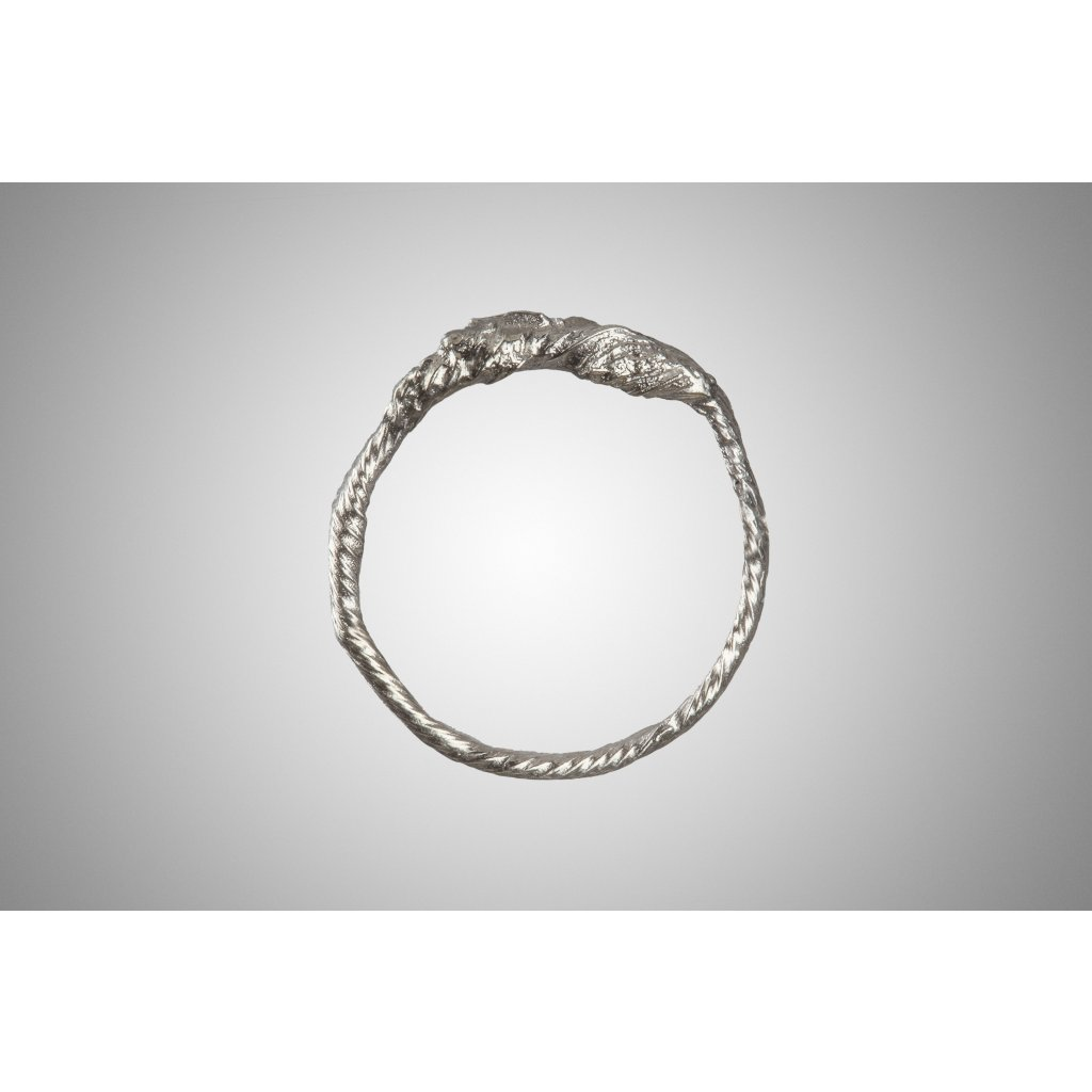 Twisted Ring 22