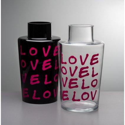 Skleněná váza Unnamed Bucket love od Jakuba Berdycha ze studia Qubus