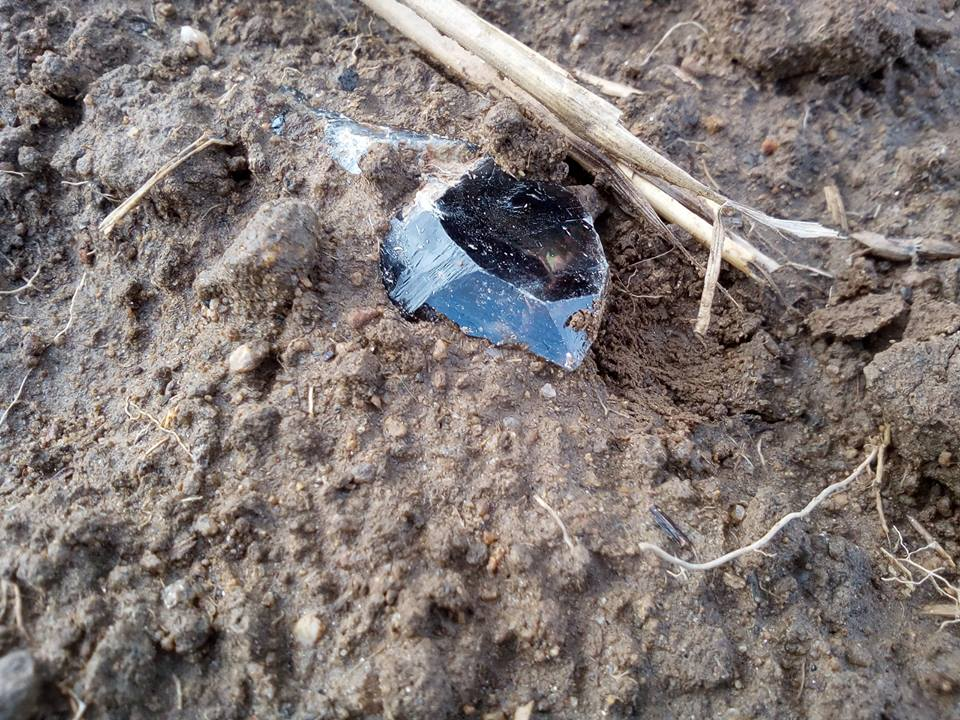 Záhněda, krystal, polní nález v ornici, Bobrůvka, pole, naleziště Houperk