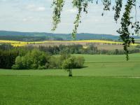Výhled do krajiny z obecní vyhlídky