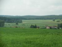Pohled z kopce Houperk na Bobrůvku