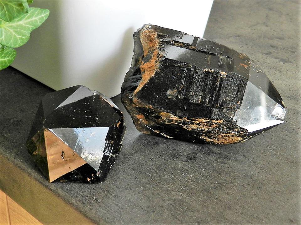 Krystaly Učitelé - Záznamové moriony - černé krystaly záhněd z Vysočiny