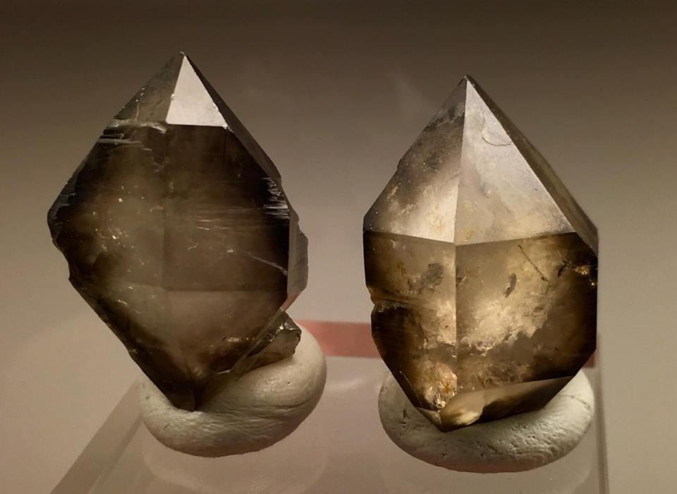 Záhněda, kámen, krystaly, účinky, vlastnosti, význam, obrázky, Vysočina, Morava