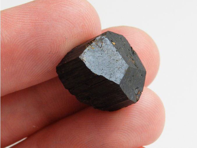 cdrny turmalin skoryl prirodni surove kameny vysocinou obrazku elektrosmog 2