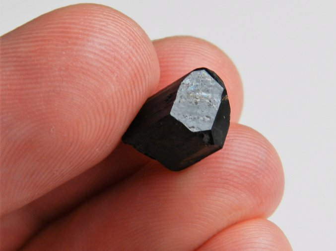 cerny skoryl kamen mineral lecivy nerost vysocina cr obrazky 1