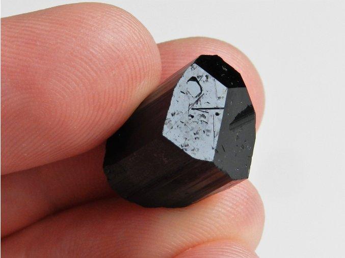 skoryl ukonceny dokonaly sbirkovy kamen mineral vysocina 1