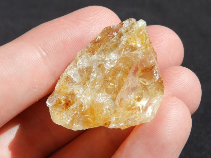 citrin cesky prirodni surovy kamen vysocina obrazky 1