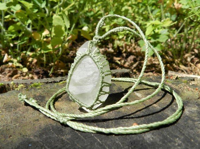 nahrdelnik kristal privesek macrame prirodnim kamenem ceskym kristalem 1
