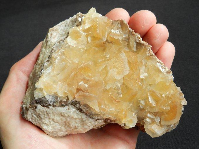 kalcit cesky drahy kamen cerny dul mineral obrazky 1