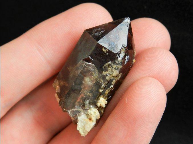 krystal zahneda alpy francie mont blanc mineral drahy kamen prirodni prodej 1