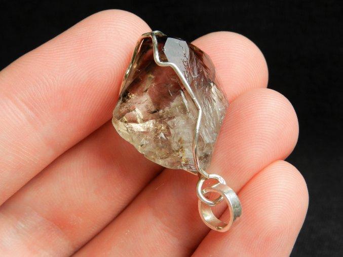 zahneda krystal stribrny privesek cesky mineral kamen prodej 1