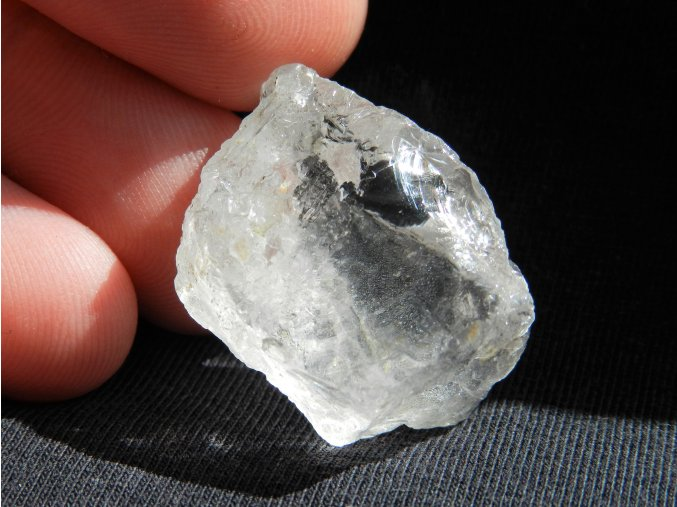 kristal kamen nerost mineral prirodni surovy cesky 1