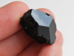 cerny turmalin skoryl ukonceny krystal lecivy drahokam kamen mineral cesky cr vysocina obrazek 1