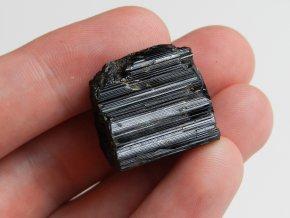 cerny turmalin skoryl prirodni surovy lecivy kamen mineral nerost cr cesky vysocina bory obrazek 2