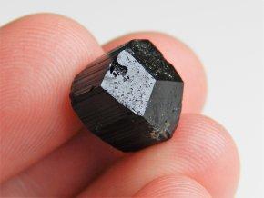 cerny turmalin ukonceny spalik prirodni kamen cesky obrazky 1