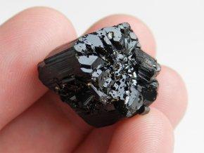 cerny turmalin skoryl esteticky ukonceny krystal stupňovity spalik sbirkovy obrazky 1