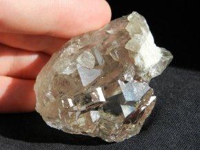 kristal krystal srostlice katedralovy rust alpy zahranicni kamen 1