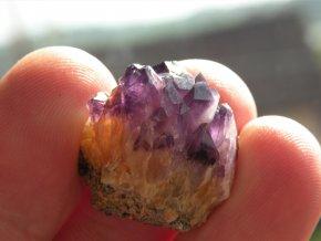 prirodni ametyst fialovy vysocina obrazek 1