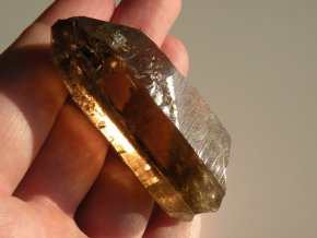 zahneda krystal drahokam polodrahokam kamen bohdalec vysocina obrazek 1