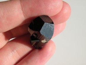 cerny turmalin skoryl kamen krystal prodej vysocina morava pikarec obrazky 1