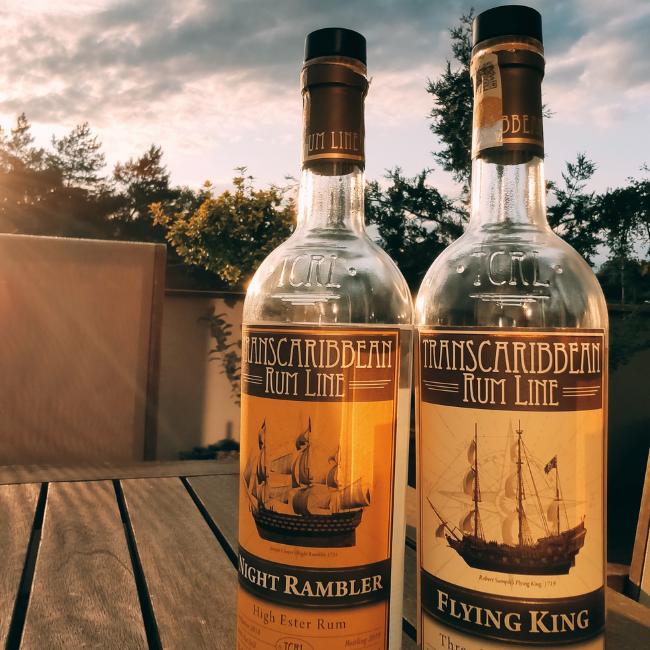 Recenze: Transcontinental Rum Line Flying King a Night Rambler, oba 42%