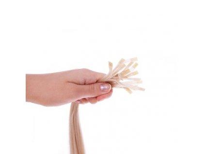 Nakeratínovanie 1 prameňa ruských vlasov