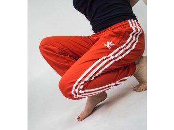 570ec408661 Dámské tepláky adidas Originals Tepp Červené