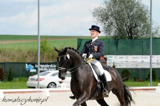 Fabrizio Jezdcem roku a Apropos Koněm roku 2012 dle facebookových fanoušků časopisu Jezdectví