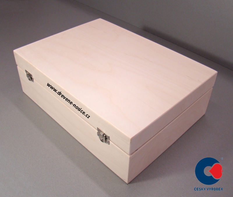 dřevěný box se skleničkami