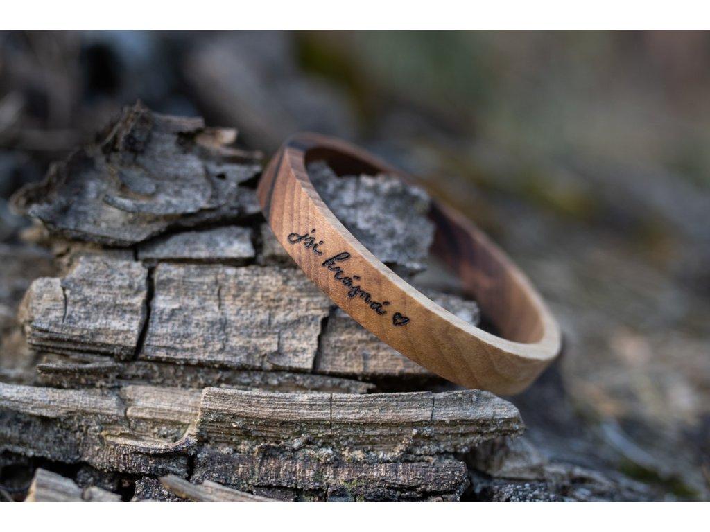 Dřevěný náramek jsi krásná