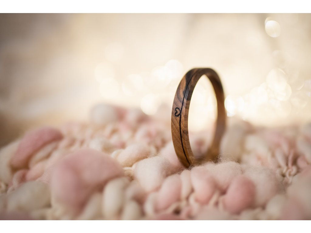Dřevěný náramek nekonečná láska